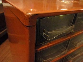 parts cabinet_c0139773_18135873.jpg