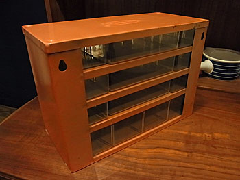 parts cabinet_c0139773_18142897.jpg