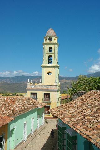 キューバ (38) トリニダー旧市街のロマンティコ博物館からの眺め_c0011649_0174131.jpg