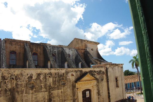 キューバ (38) トリニダー旧市街のロマンティコ博物館からの眺め_c0011649_0212126.jpg