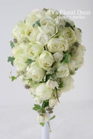 ころころとしたカップ咲きのバラのティアドロップブーケ ウェスティンホテルさんへ_b0113510_11293782.jpg