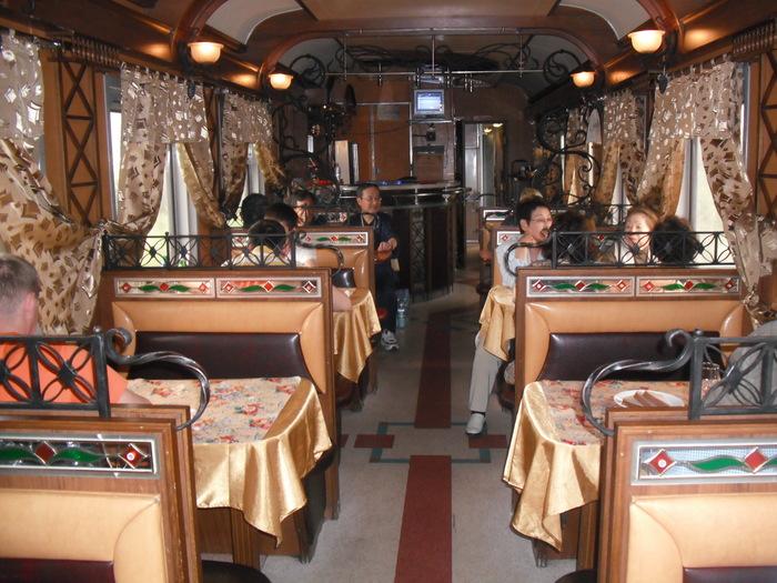 シベリア鉄道の食堂車_a0109837_1801116.jpg