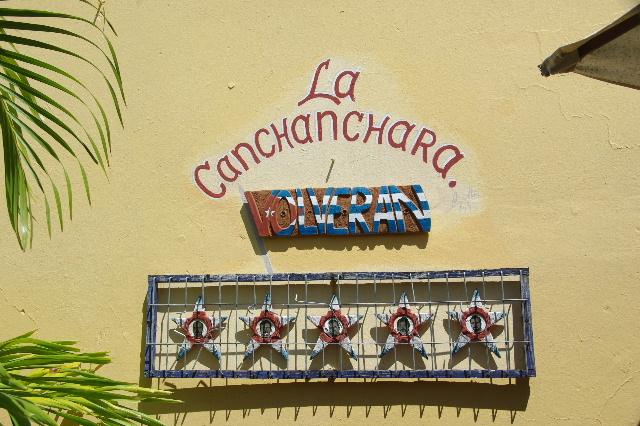キューバ (39) トリニダー旧市街のラ・カンチャンチャラ_c0011649_6222552.jpg
