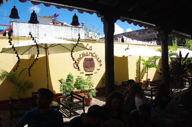 キューバ (39) トリニダー旧市街のラ・カンチャンチャラ_c0011649_6251786.jpg