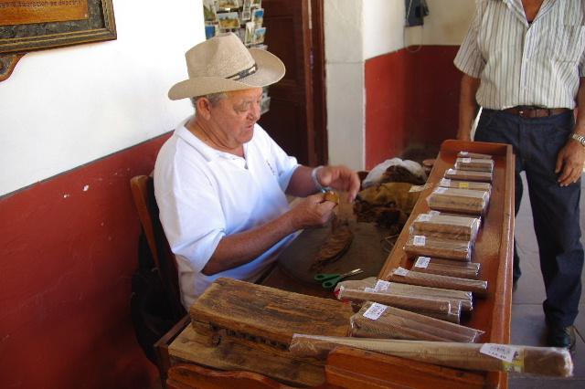 キューバ (39) トリニダー旧市街のラ・カンチャンチャラ_c0011649_6263022.jpg