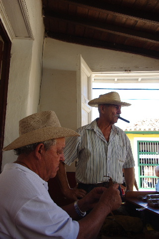 キューバ (39) トリニダー旧市街のラ・カンチャンチャラ_c0011649_6305757.jpg