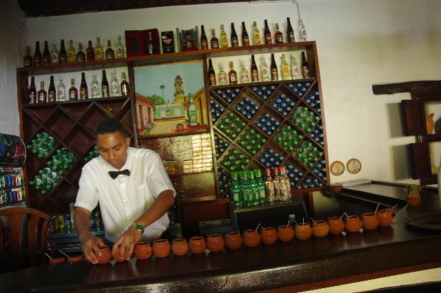 キューバ (39) トリニダー旧市街のラ・カンチャンチャラ_c0011649_6351091.jpg