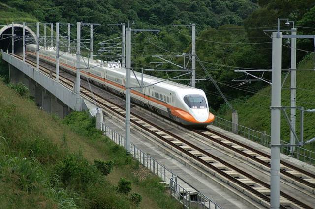夢見る世界鉄道_f0037264_4472610.jpg