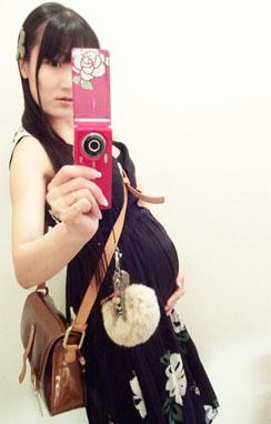 気がかりなカラス。8ヶ月に入った妊婦chan。 (それと、スマフォ閲覧で画像縦横比が崩れている方へ)_d0224894_1233403.jpg