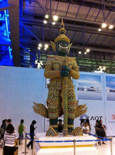 旅日記 バンコク JUL2011 006 帰国へ TG642 成田行き_f0059796_22361798.jpg