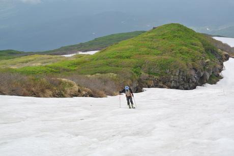 2012年6月15日 新緑と残雪と山菜と酒の鳥海山へ_c0242406_1856159.jpg