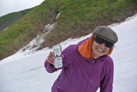 2012年6月15日 新緑と残雪と山菜と酒の鳥海山へ_c0242406_1858236.jpg
