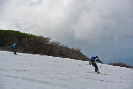 2012年6月15日 新緑と残雪と山菜と酒の鳥海山へ_c0242406_19143853.jpg