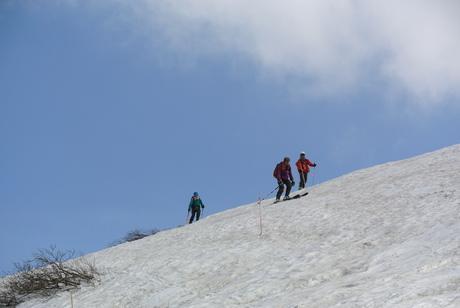2012年6月15日 新緑と残雪と山菜と酒の鳥海山へ_c0242406_19171320.jpg