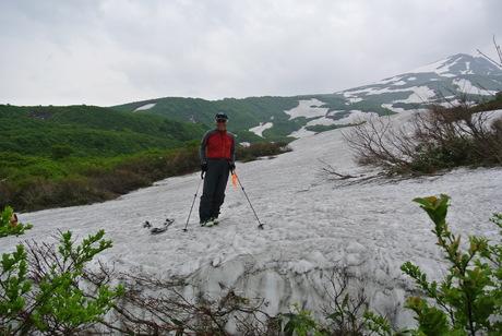 2012年6月15日 新緑と残雪と山菜と酒の鳥海山へ_c0242406_19195656.jpg