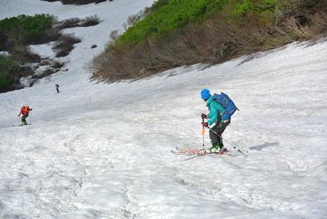2012年6月15日 新緑と残雪と山菜と酒の鳥海山へ_c0242406_1919878.jpg