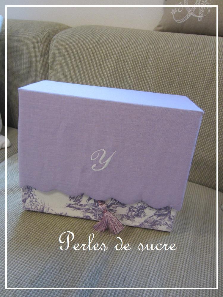 コスメスタンド ボンベイの箱 シャルニエの箱_f0199750_18232372.jpg