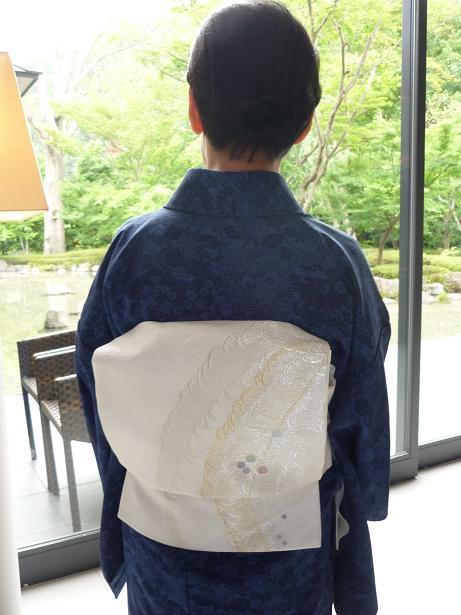モダンなお茶会・野村エミさんとお客様の着姿。_f0181251_1547174.jpg