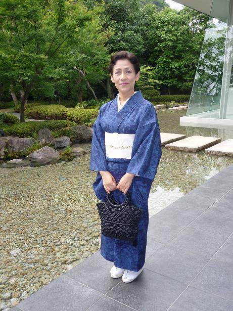 モダンなお茶会・野村エミさんとお客様の着姿。_f0181251_1550521.jpg