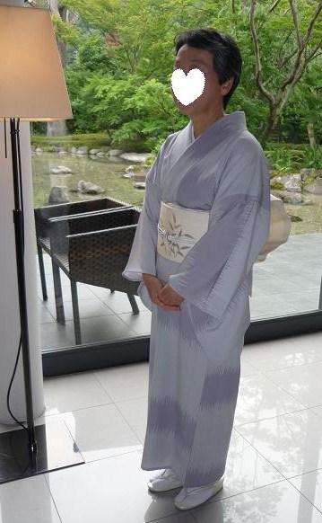 モダンなお茶会・野村エミさんとお客様の着姿。_f0181251_1559153.jpg