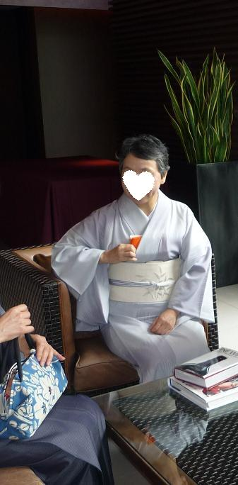 モダンなお茶会・野村エミさんとお客様の着姿。_f0181251_1634415.jpg