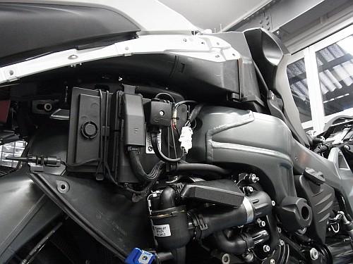 K1300S HPPにタンクバッグ&ナビ取り付け・・・・。_e0254365_20455023.jpg
