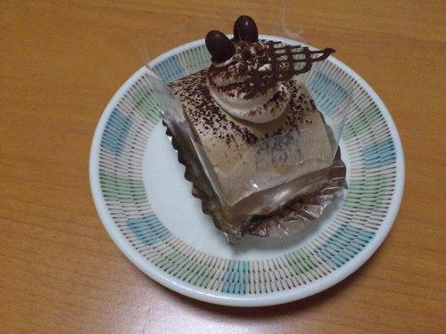 函館国際ホテルのケーキ_b0106766_2223132.jpg