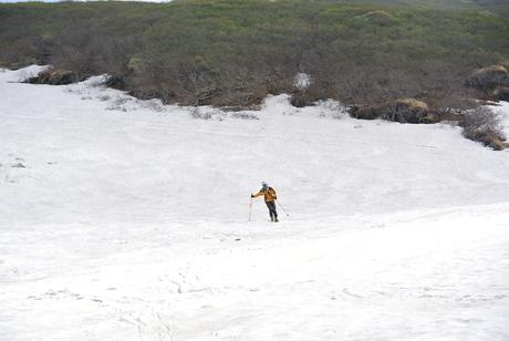 2012年6月15日 新緑と残雪と山菜と酒の鳥海山へ_c0242406_16324442.jpg