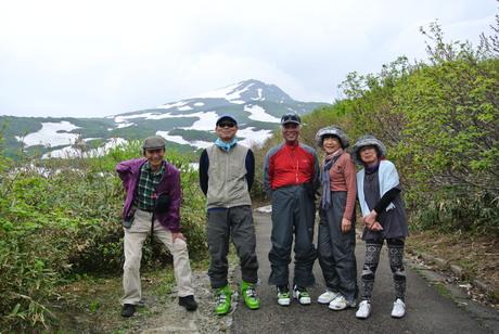 2012年6月15日 新緑と残雪と山菜と酒の鳥海山へ_c0242406_8162648.jpg