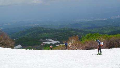 2012年6月15日 新緑と残雪と山菜と酒の鳥海山へ_c0242406_832111.jpg