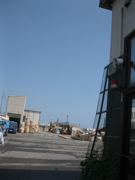 「ゴミ捨て」に~☆_a0125419_18513398.jpg