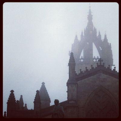 霧のエジンバラ_e0114020_3332779.jpg