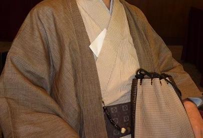 秋草模様の紗合わせ・主人の着物・臨時休業。_f0181251_1737278.jpg