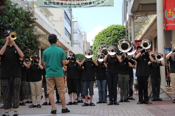 街角コンサートに参加しました!_e0145173_6251534.jpg