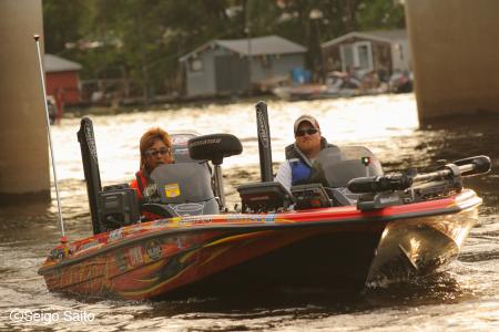 Bassmaster Elite Series #6 Mississippi River, WI 初日_a0097491_8222416.jpg