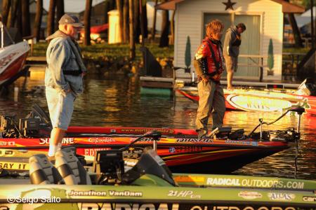 Bassmaster Elite Series #6 Mississippi River, WI 初日_a0097491_822846.jpg