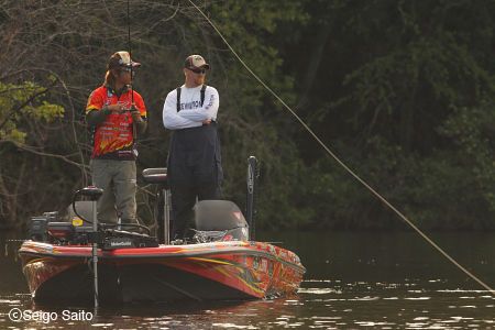 Bassmaster Elite Series #6 Mississippi River, WI 初日_a0097491_8263133.jpg