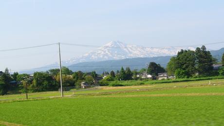 鳥海山麓「真坂」への楽しい鉄道の旅_c0242406_14574653.jpg