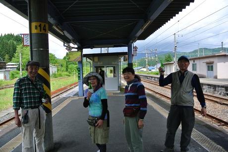 鳥海山麓「真坂」への楽しい鉄道の旅_c0242406_158946.jpg