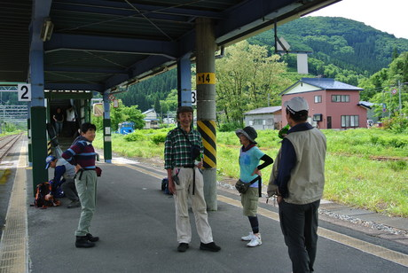 鳥海山麓「真坂」への楽しい鉄道の旅_c0242406_1592882.jpg