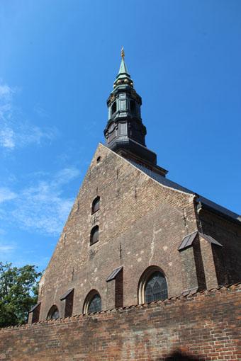 12北欧研修:コペンハーゲン宿泊ホテル窓から_e0054299_12431579.jpg