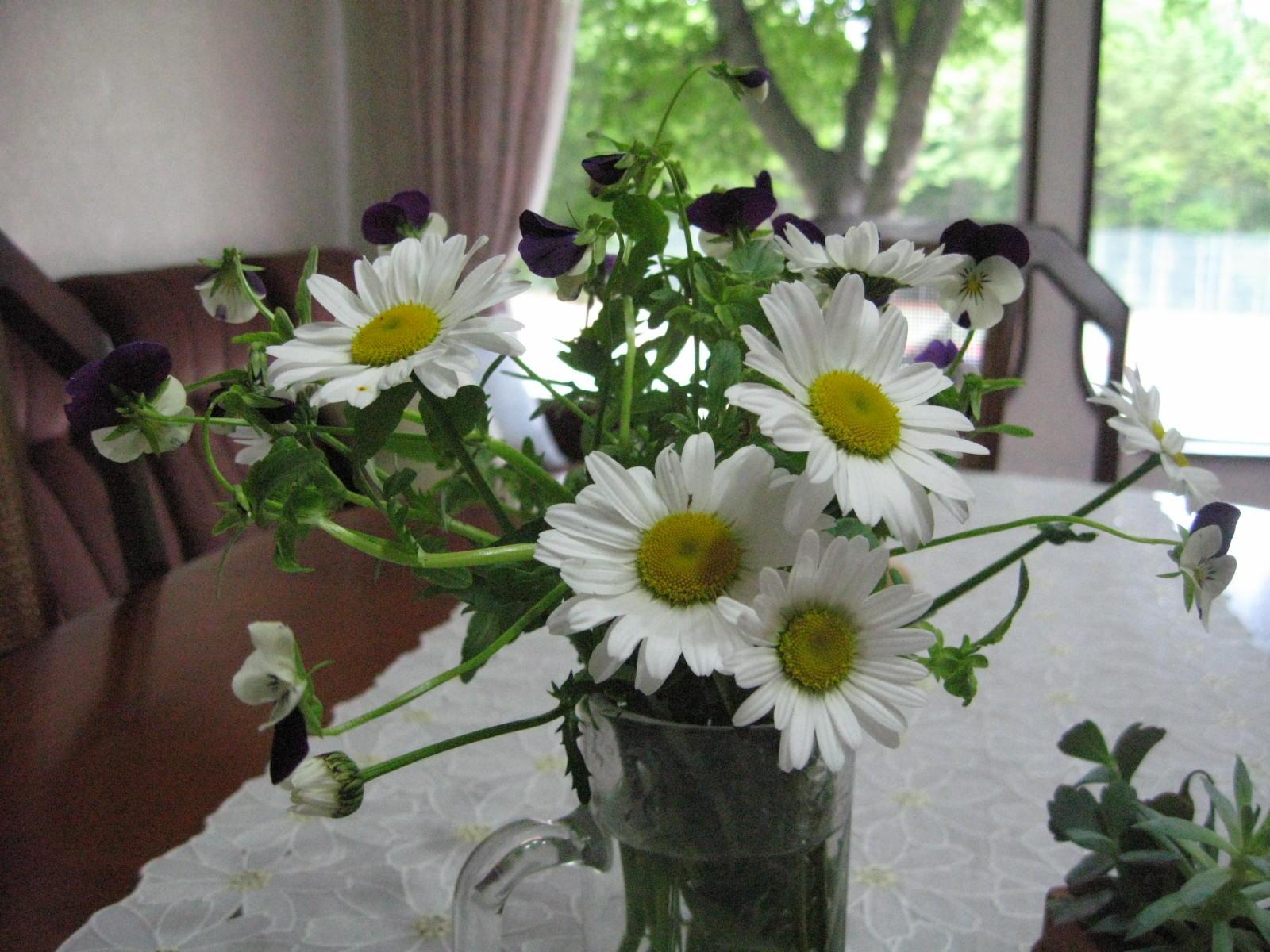 今週のテーブル花_f0146620_235232.jpg