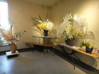 「花と器展」_e0109554_7111830.jpg