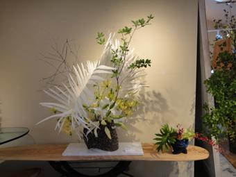 「花と器展」_e0109554_712959.jpg