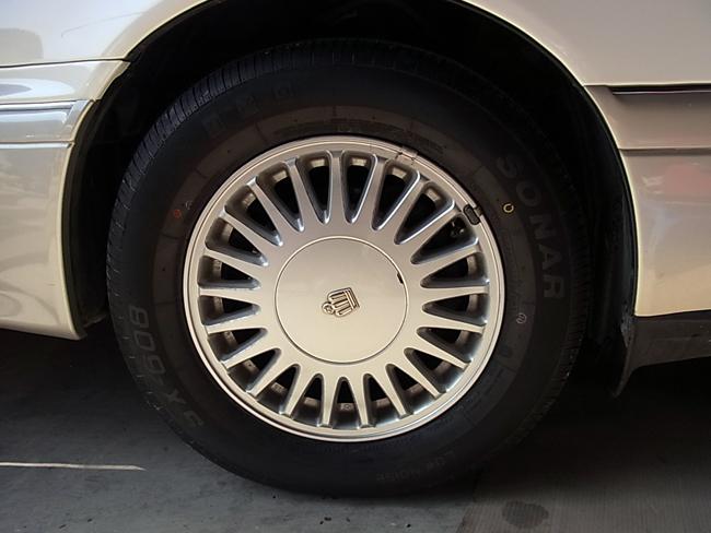 AUTOWAY LOOPで輸入タイヤを購入!_b0186200_0112330.jpg