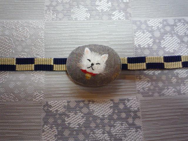 刺繍の動物の帯留と、おしゃれな雪輪の着物と帯。_f0181251_102732100.jpg