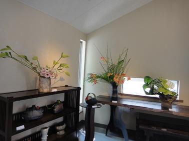 花と花器の展示会_e0109554_856228.jpg