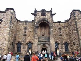 UK エディンバラ城とホリルードハウス宮殿_e0195766_4531537.jpg
