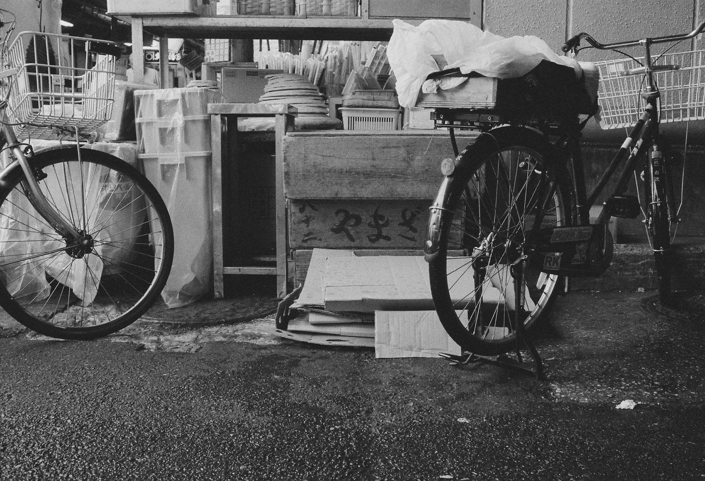 築地の自転車。_c0120903_1164872.jpg