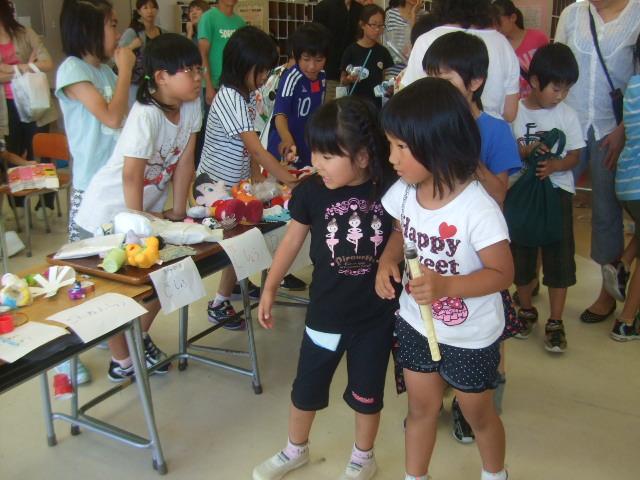 二田小学校へリサイクルショップに参加_d0166047_21363193.jpg